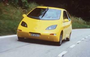 1997/06/15:Germany - Der Twingo SmILE ist Europas verbrauchsguenstiges Auto. SmILE steht fuer Small, Intelligent und Efficent. Ein neu entwickelter Motor, Gewichtseinsparungen und ein geringerer Luftwiederstand haben den Verbrauch des SmILE gegenueber dem Serienfahrzeug halbiert. Bei Messungen des Schweizer TUV erreichte der SmILE einen Verbrauch von nur 3,26 Litern auf 100 km.     ©Thorsten Klapsch/Greenpeace - 9707001 - (×××)