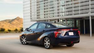 Toyota Mirai - erste Wasserstoff-Limousine in Großserie - back2