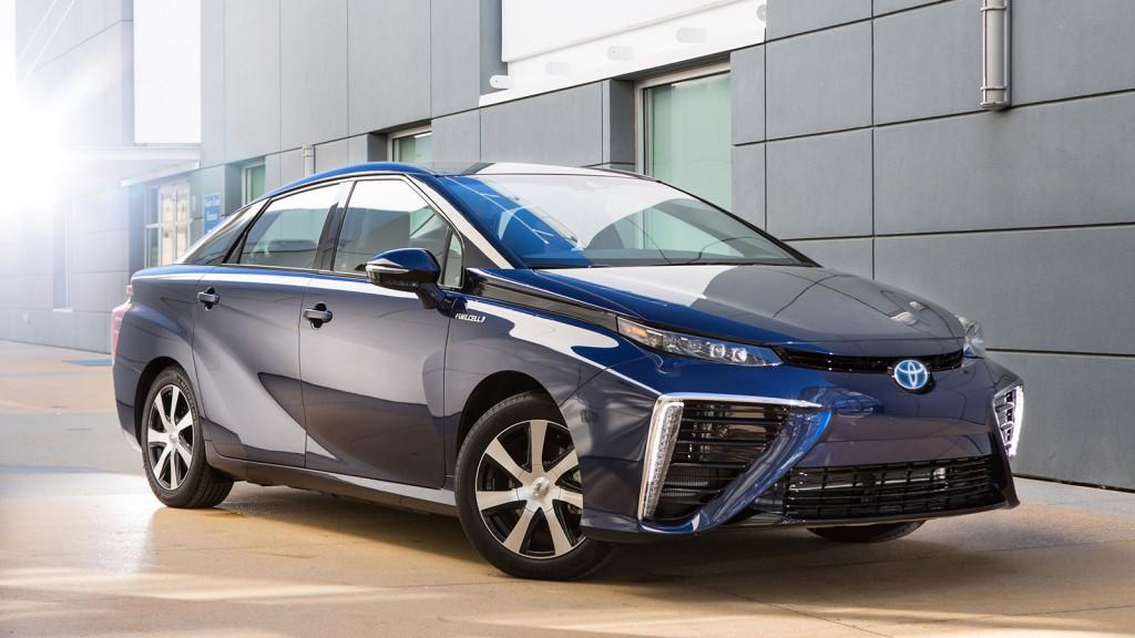 Toyota Mirai - erste Wasserstoff-Limousine in Großserie - front