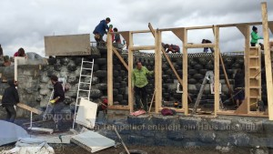 Earthship Schloss Tempelhof early stages vlcsnap-2016-03-24-21h23m53s859