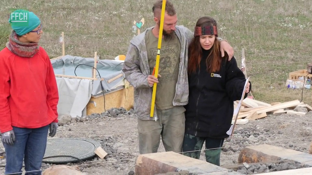 Filming for Change Earthship Tempelhof Early Stages vlcsnap-2016-03-24-20h08m55s477