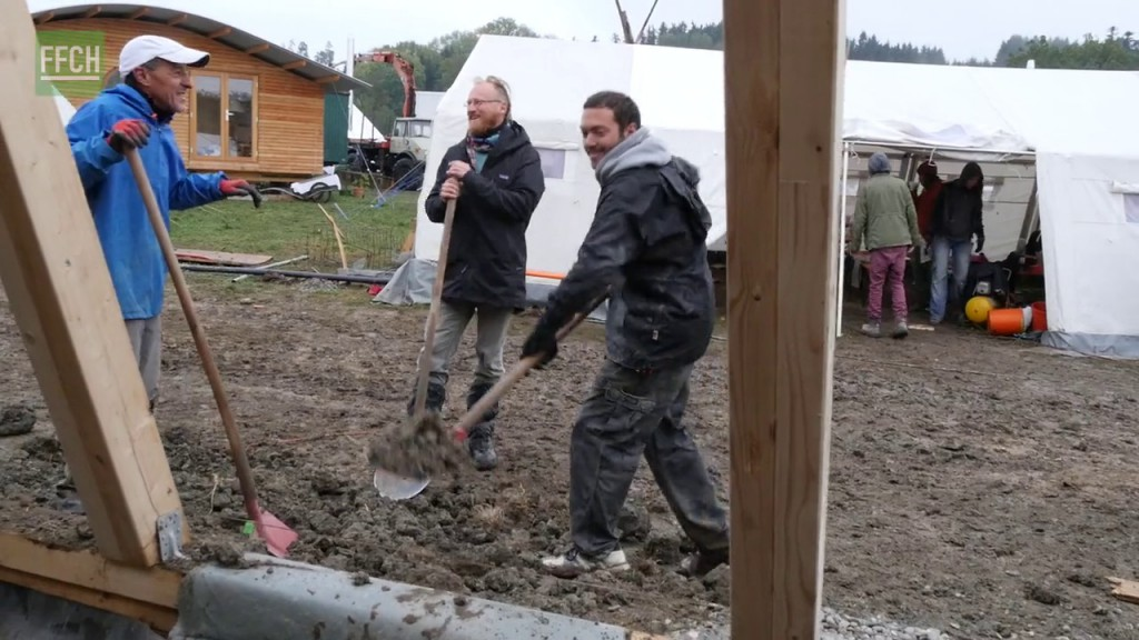 Filming for Change Earthship Tempelhof Early Stages vlcsnap-2016-03-24-20h10m21s513