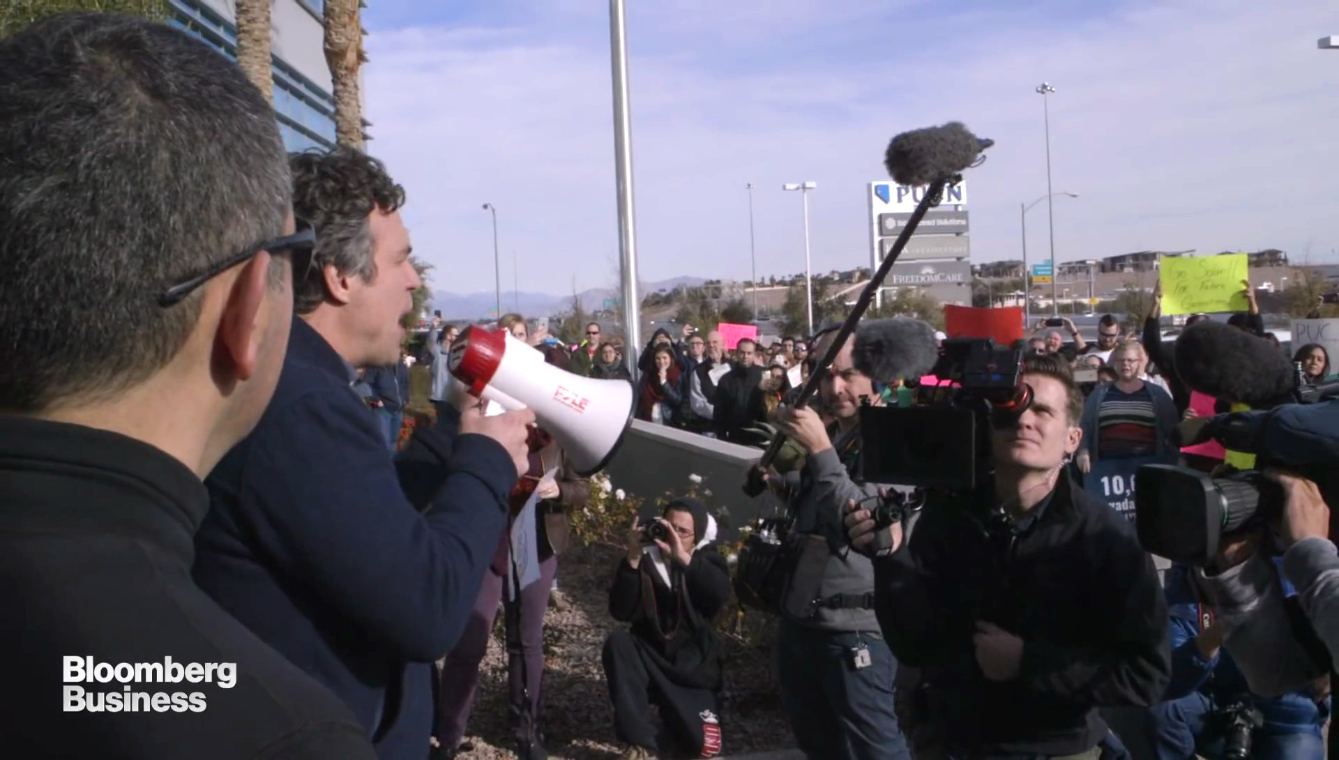 Pro Solar - Protesters Demonstration - War on Buffet's Energy Monopol in Nevada4