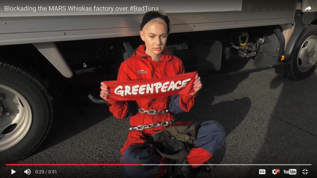 Greenpeace Blockading the MARS Whiskas factory over BadTuna 19.5.2016_6